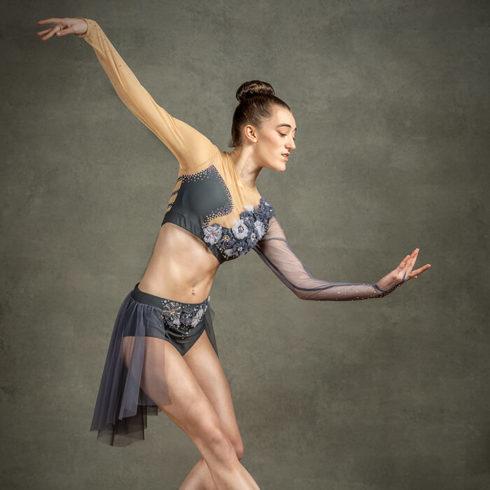 Dancer – Beth Nicholson